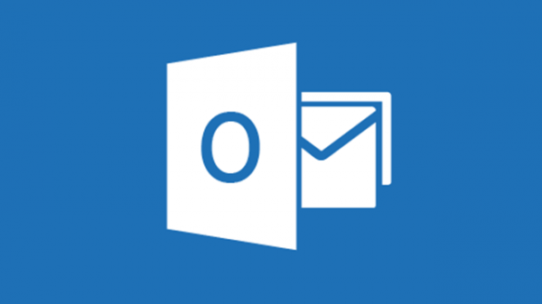 Google Hangouts hanging out with Microsoft Outlook