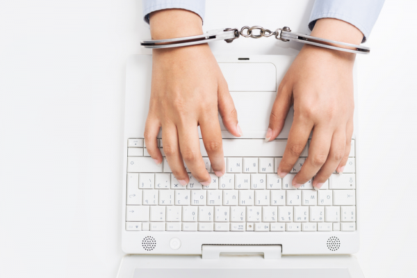 handcuffs-computer