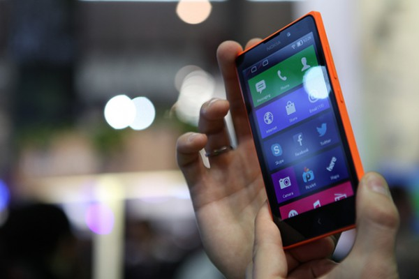 Orange Nokia XL