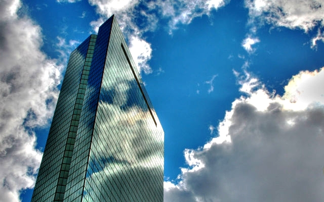 city_sky_skyscraper_glass_reflection_2560x1600_contentfullwidth