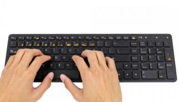 03_keyboard_black_hands