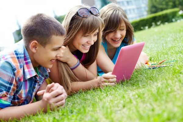 Teenage tablet users