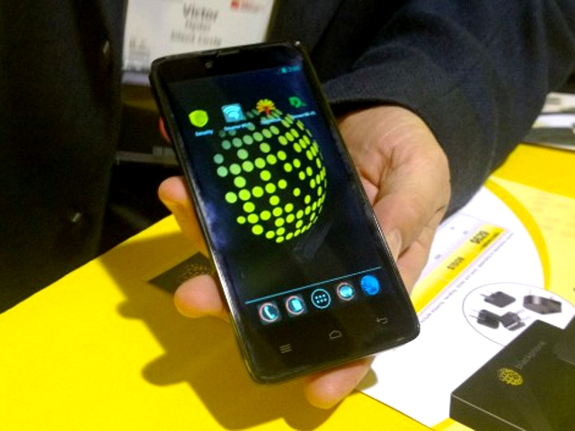 blackphone-in-hand-header_contentfullwidth