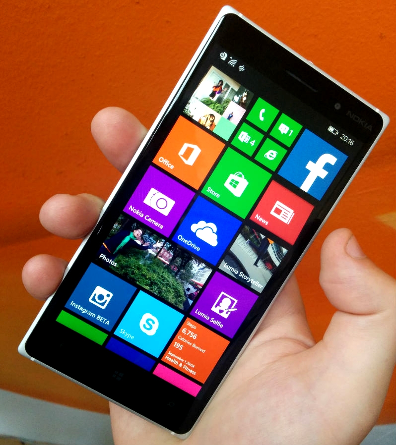 Nokia Lumia 830: Microsoft's Flagship Budget