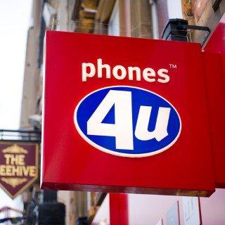 Many UK iPhone 6 pre-orders cancelled after Phones 4u enters administration