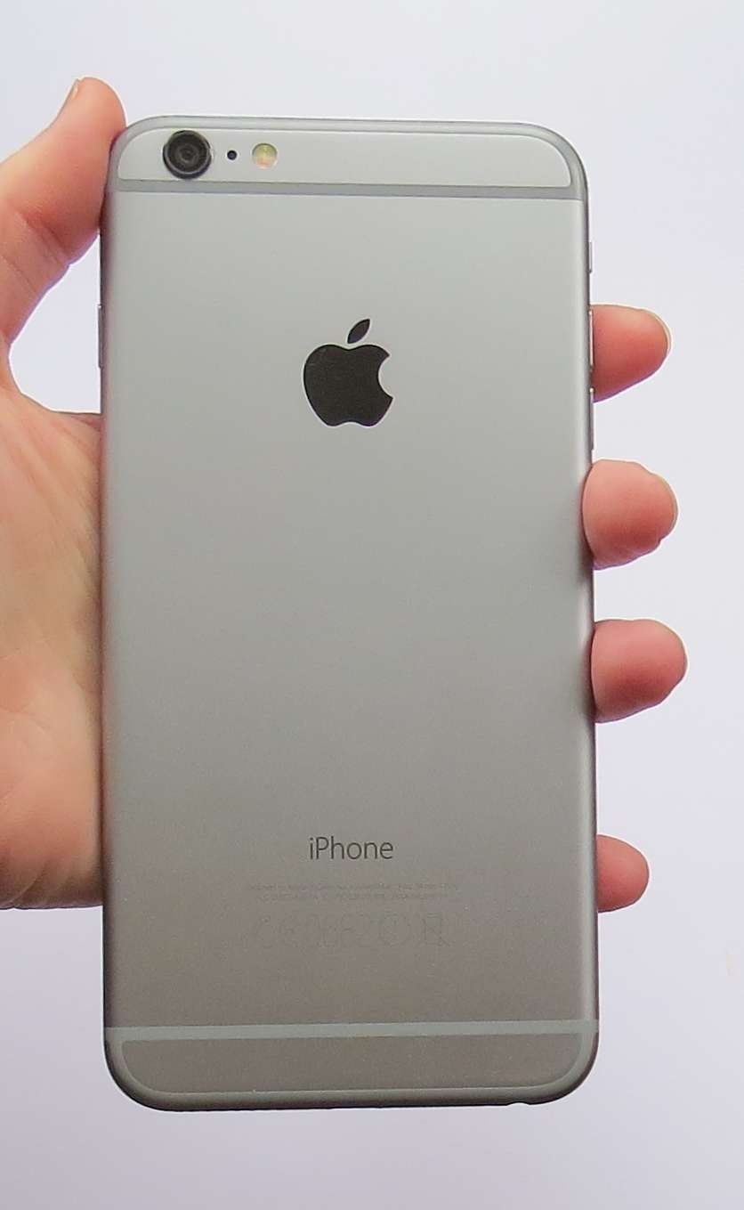 silver iphone 6 plus apple iphone 6 plus beautifully made but expensive review 16130