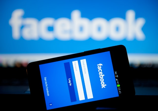 Facebook joins forces with ESET to fight malware for free