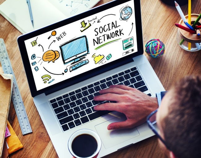 Facebook, Twitter, LinkedIn and other social networks are not important at work