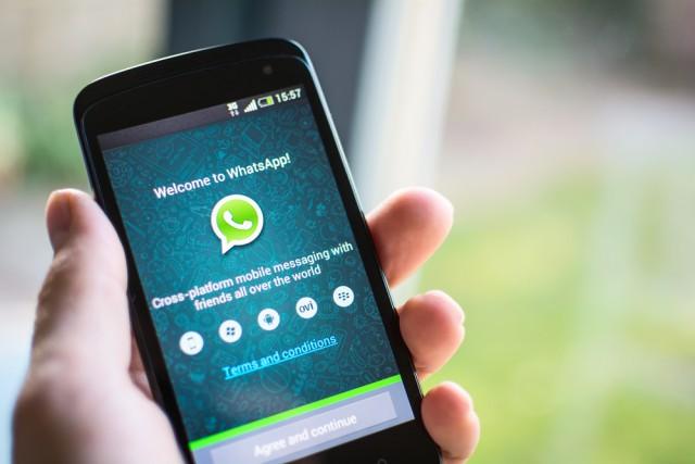 Messaging service smartphone WhatsApp