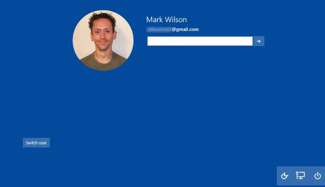 Unlock Windows 10's hidden logon screen to uncover more of Microsoft's love of circles