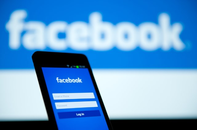Facebook revamps your newsfeed yet again