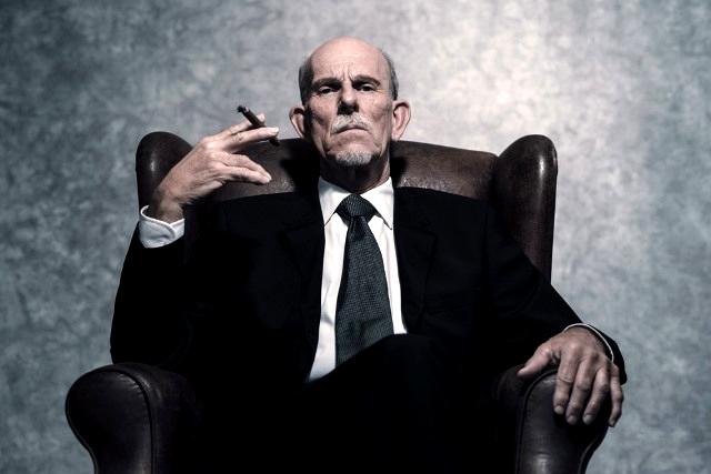 smoking_businessman_contentfullwidth