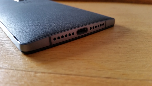 OnePlus 2 USB Type C port