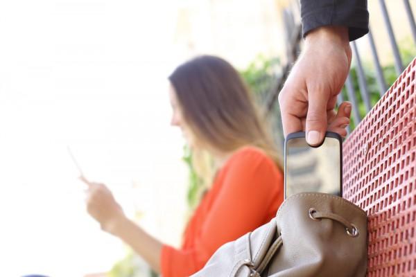 Thief Smartphone Theft Purse