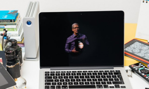 tim_cook_on_stage