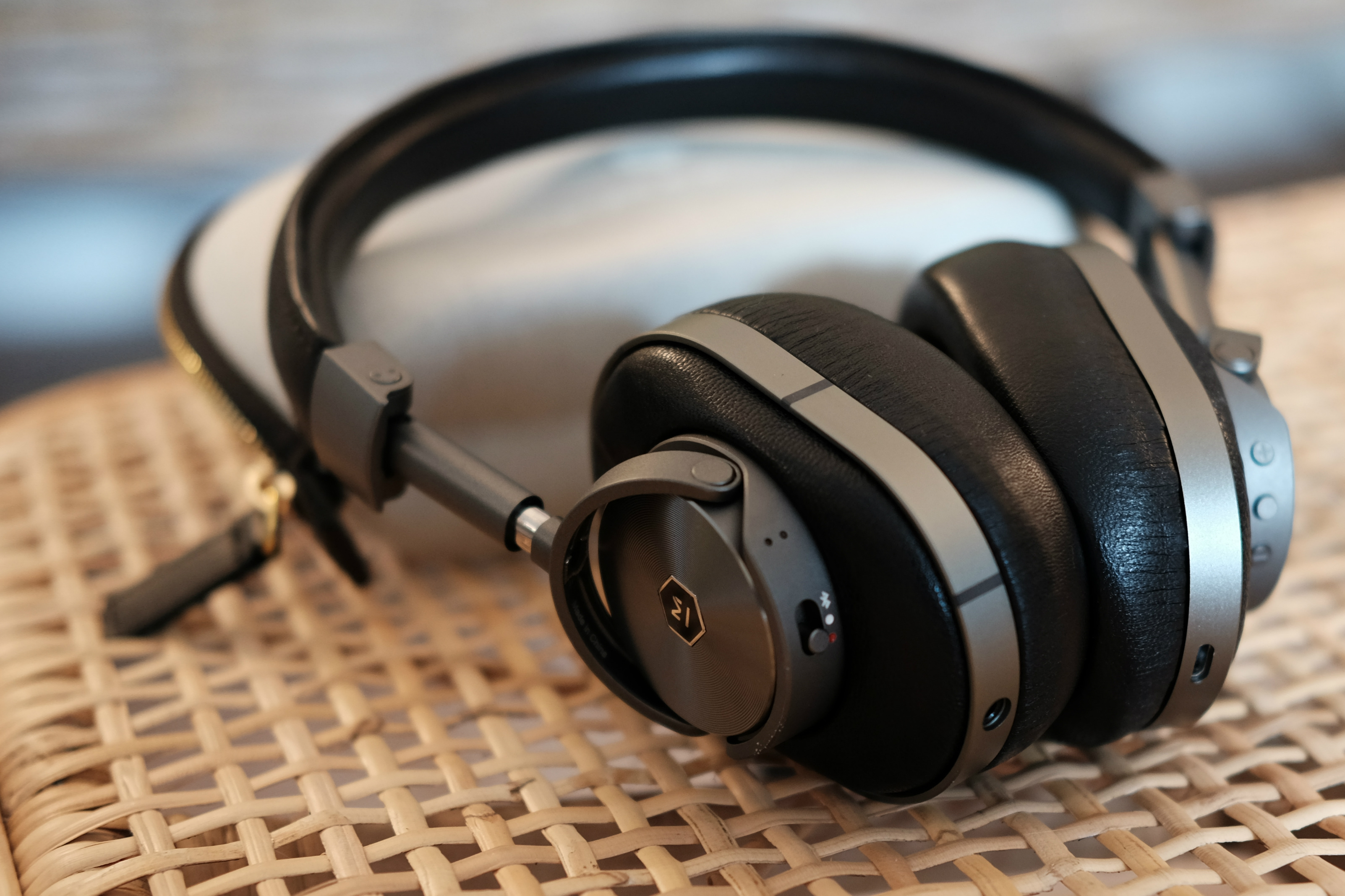 Master Amp Dynamic Mw60 Wireless Headphones Review