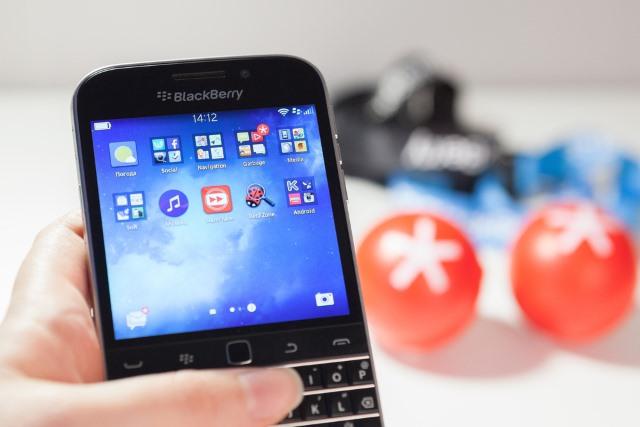 blackberry_handset