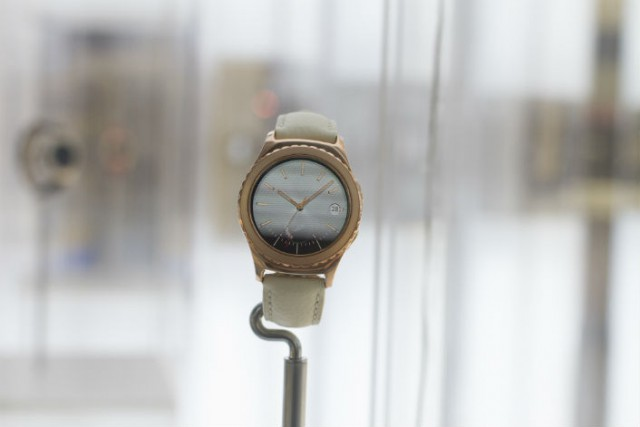 Samsung Gear-S2-classic_Rosegold ivory