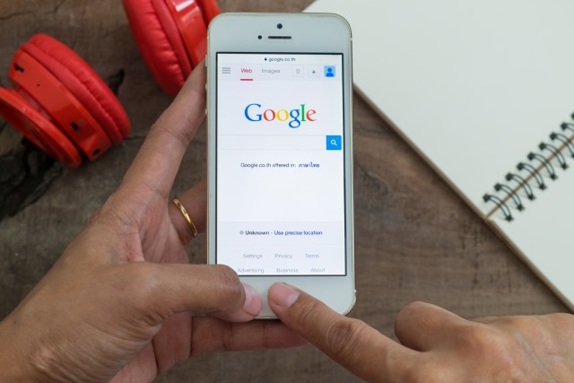 google_on_iphone