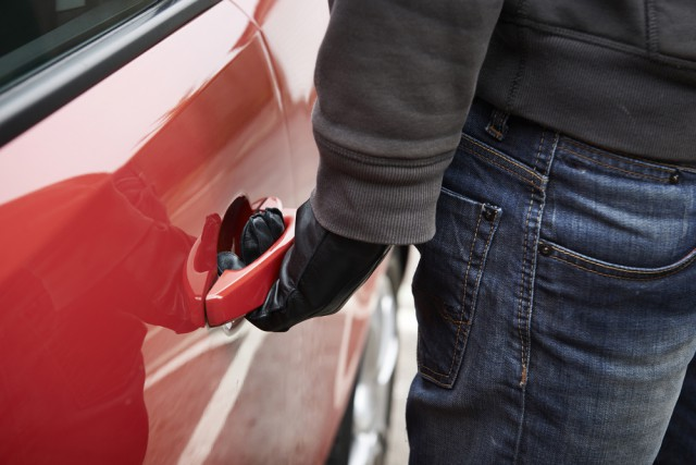 Keyless Entry Makes Car Theft Easy
