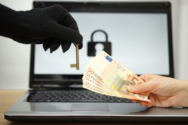 ransomware_key_laptop_money