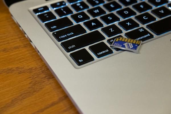 MacBok Pro Retina and TarDisk Pear Flash Storage