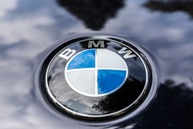 bmw logo car