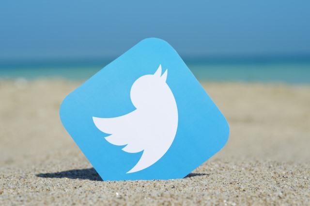 twitter-beach