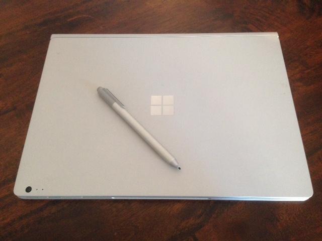 Microsoft Surface Book closed Pen