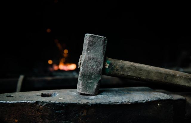 hammer-anvil