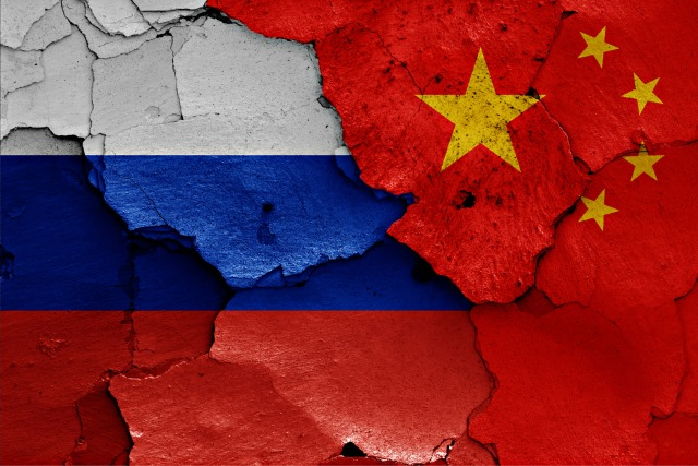 russia-china-cracked-flags