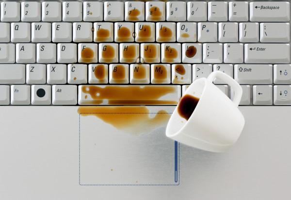 Spill coffee laptop keyboard