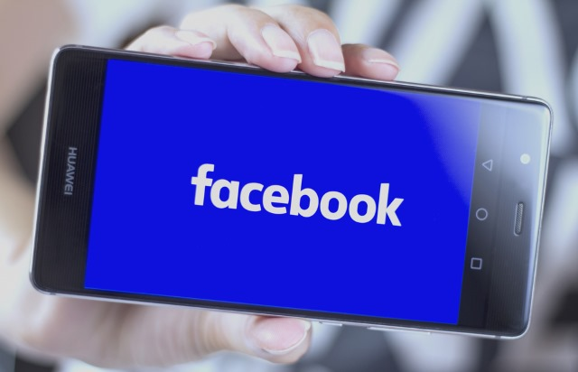 facebook-huawei-smartphone