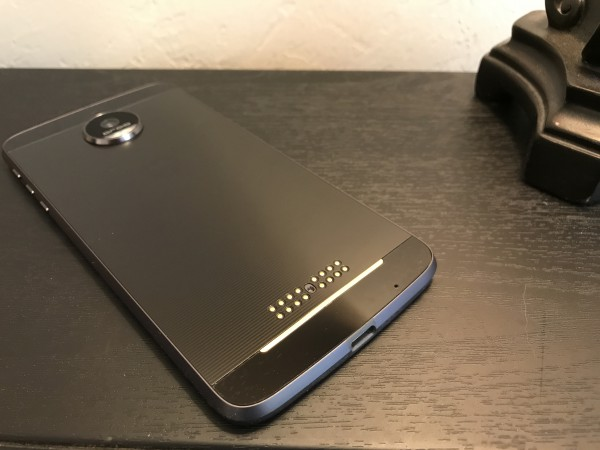 Moto Mods attach to connectors on the back of the phone