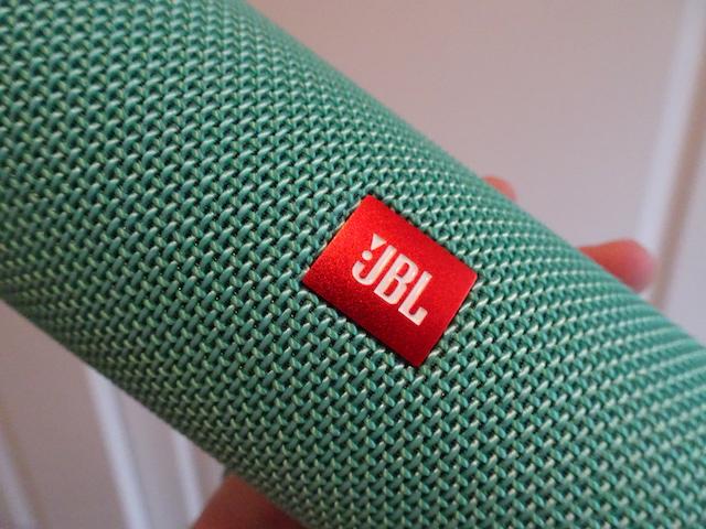 JBL-Flip-4-01