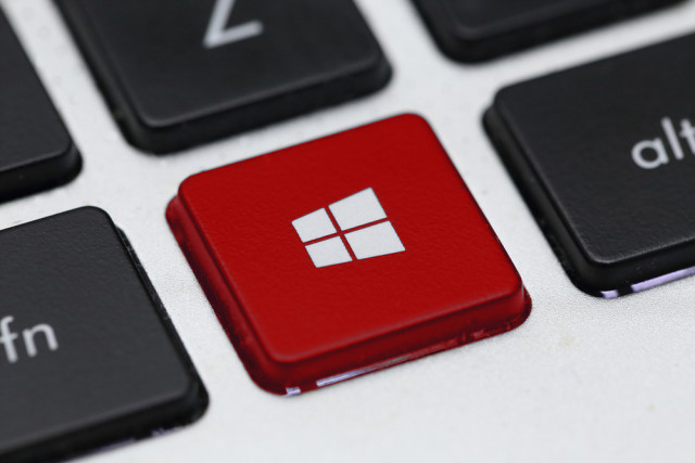Windows-10-key-red