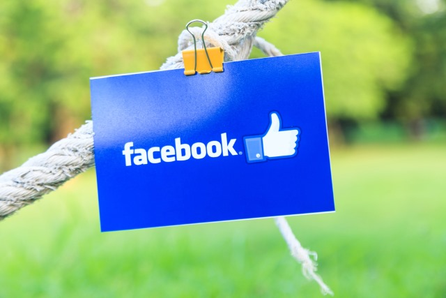 facebook-sign-on-rope