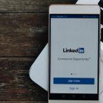 linkedin-mobile-macbook