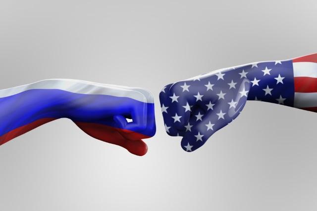 us-russia-fist-bump