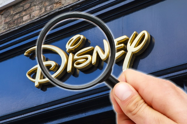 gold-disney-magnifying-glass