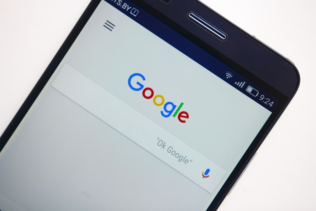 Peculiar Google bug shows your text messages in search