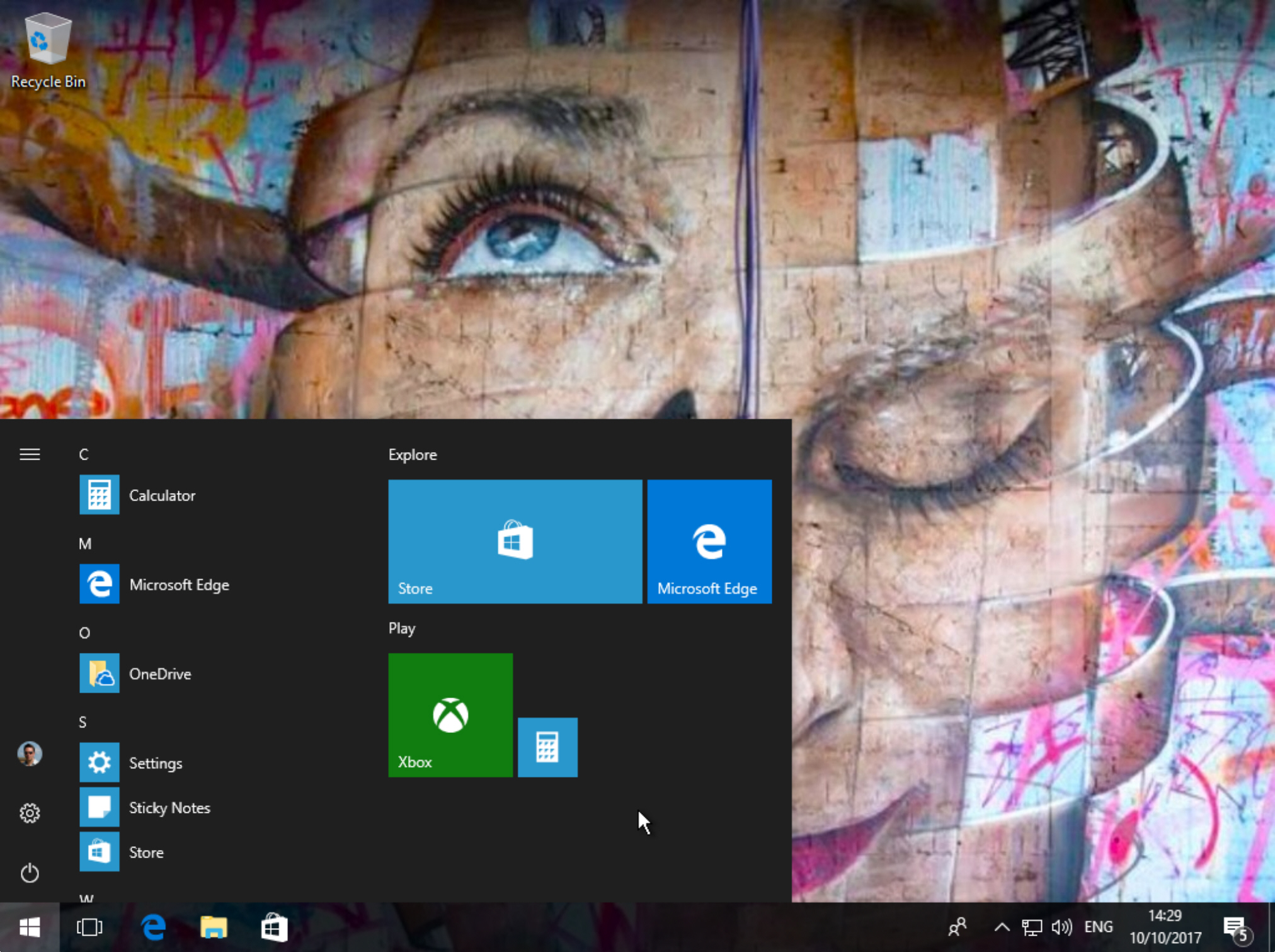 Microsoft Windows 10 update pushes new app minus details