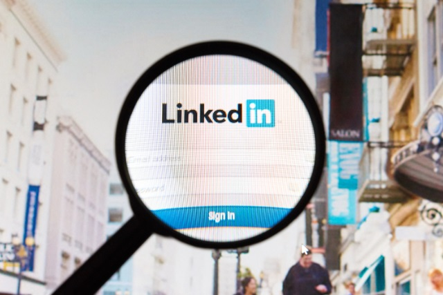 LinkedIn is testing autoplaying video ads