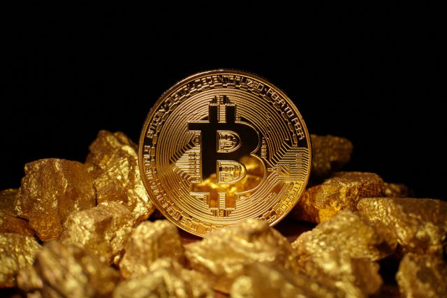 Bitcoin over gold