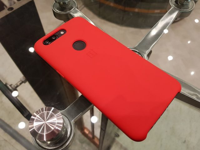 OnePlus 5T red case silicone