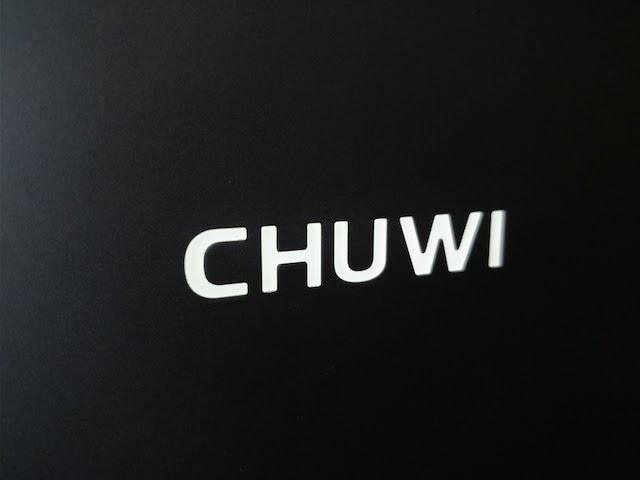 Chuwi LapBook Air 14.1 display backlit logo