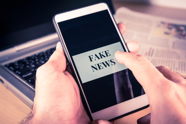 Fake news on a mobile phone
