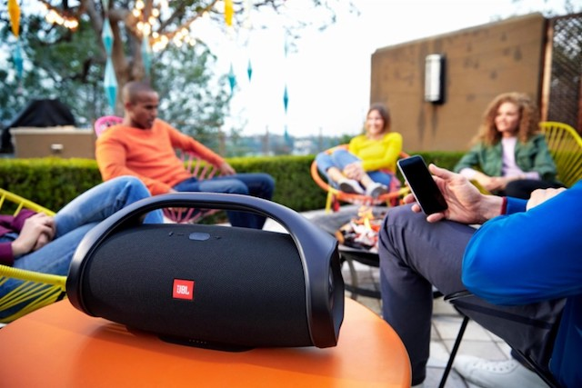 JBL Boombox is a superb portable Bluetooth speaker sans