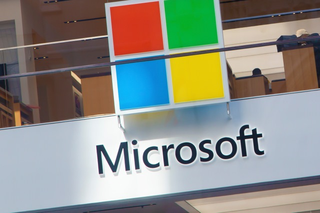 Microsoft exits support forums