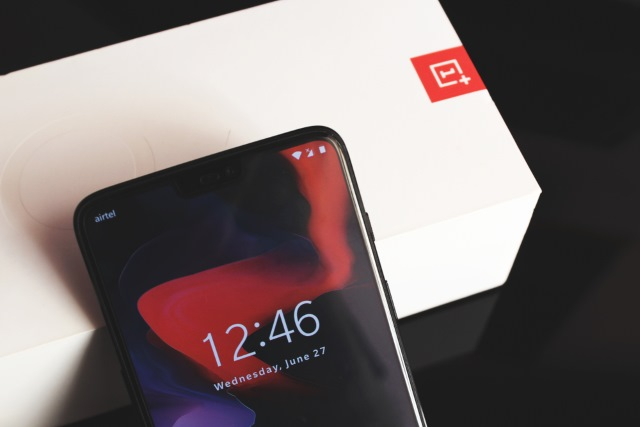 OnePlus 6 and box